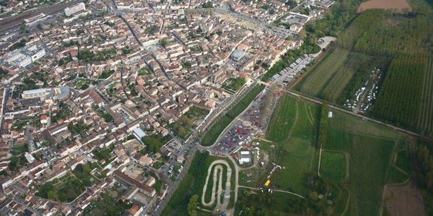 A l'instar de l'agglomération de Marmande Val-de-Garonne, la Nouvelle-Aquitaine est une région très largement rurale et agricole confrontée à une transition climatique, démographique et numérique.