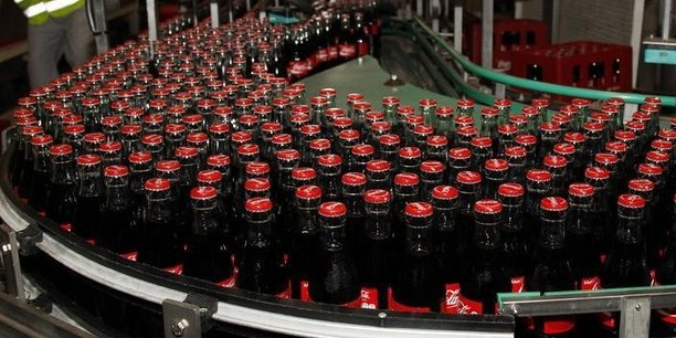 Plastique: HSBC suggère à Coca-Cola de revenir aux bouteilles réutilisables