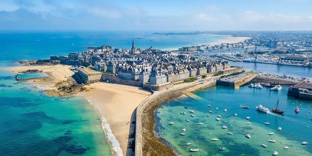 Le Bretagne est la troisième région pour la fréquentation touristique (ici, Saint-Malo intra muros).