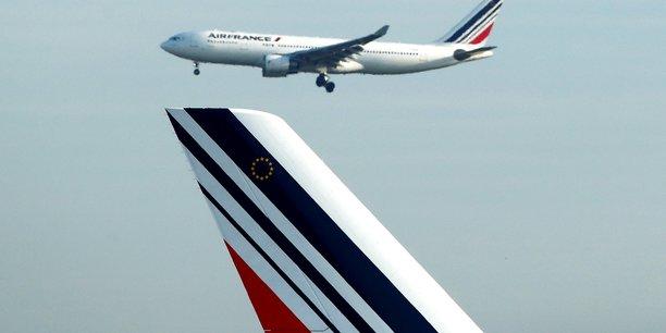 Accord majoritaire sur une hausse générale des salaires — Air France