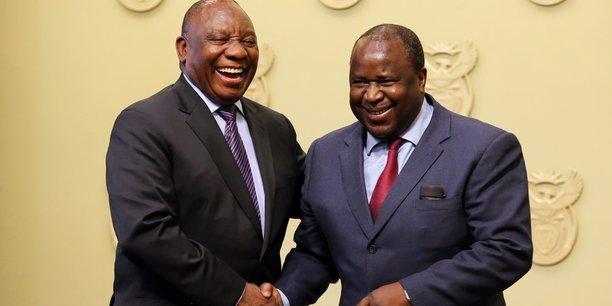 C'est dans une ambiance très décontractée que s'est tenue, dans la soirée de mardi 9 octobre à Cape Town, la cérémonie de prestation de serment de Tito Mboweni en qualité de ministre des Finances d'Afrique du Sud, sous la présidence de Cyril Ramaphosa.