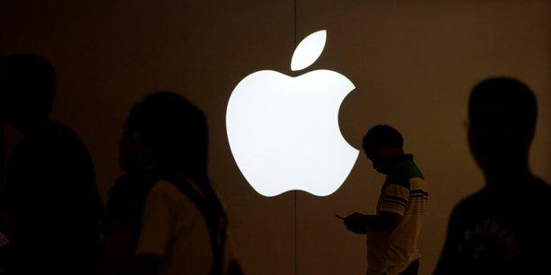Apple met la main sur une partie des activités de Dialog Semiconducteur, fabricant anglo-allemand de puces électroniques, pour un montant de 600 millions de dollars.