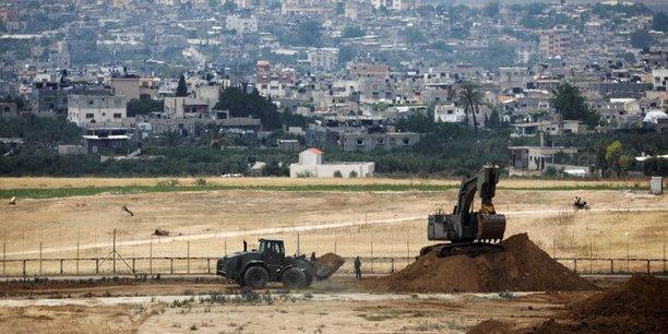 Israel detruit un tunnel a la limite avec la bande de gaza[reuters.com]