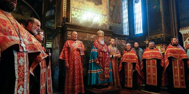 L'eglise orthodoxe ukrainienne rompt avec moscou[reuters.com]