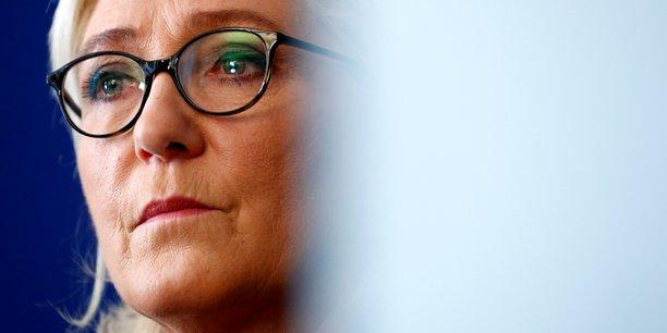Marine Le Pen a été mise en examen vendredi pour détournement de fonds publics dans le cadre de l'enquête sur les soupçons d'emplois fictifs du Front national au Parlement européen.