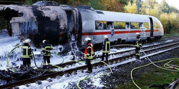 Les passagers d'un tgv allemand evacues apres un incendie[reuters.com]