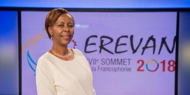 Celle qui incarne désormais le nouveau visage de la Francophonie, Louise Mushikiwabo, est une femme au parcours atypique.