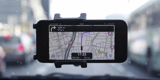 En matière de mobilité, une trentaine de villes, dont Versailles ou Lille, ont conclu des partenariats avec Waze (photo) pour favoriser l'échange de données et améliorer le fonctionnement de l'application et la gestion du trafic