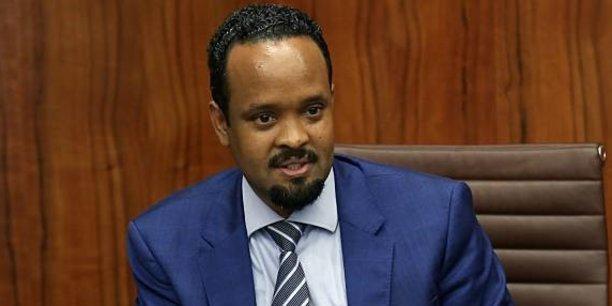 Après avoir été ministre d'Etat chargé des Finances et du développement économique, puis ministre des Transports, Ahmed Shide devient ministre des Finances d'e l'Ethiopie, suite au remaniement ministériel du mardi 16 octobre 2018.