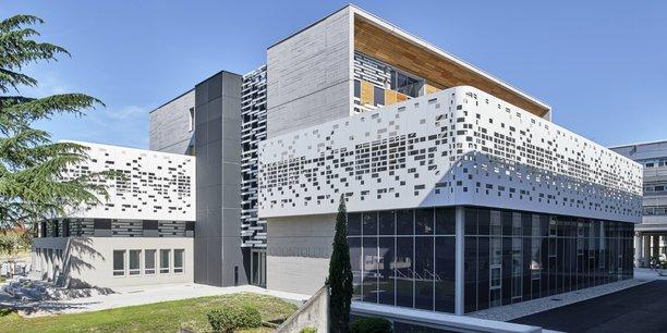 Le bâtiment d'Odontologie, sur le campus Carreire à Bordeaux, sera inauguré prochainement.
