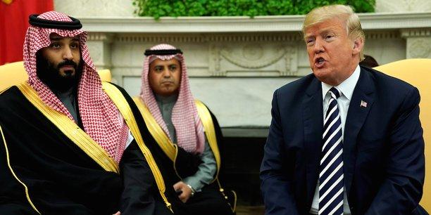 Le prince héritier saoudien Mohammed ben Salmane reçu par le président américain Donald Trump dans le bureau ovale de la Maison Blanche en mars 2018.