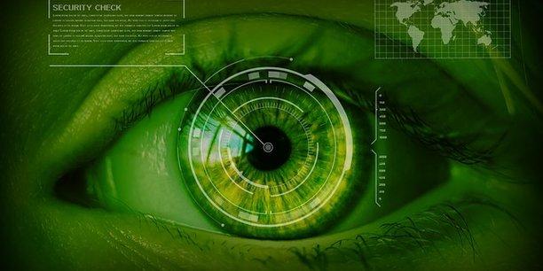 CybelAngel a développé une technologie capable de scanner n'importe quel objet connecté sur la planète et de scruter automatiquement et en permanence le web profond (le deep web) et caché (le dark web), c'est-à-dire tout ce qui n'est pas référencé par les moteurs de recherche comme Google, mais qui se trouve néanmoins en accès libre sur Internet.