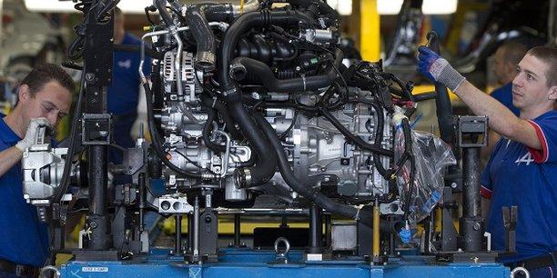 Selon l'étude, les investissements dans les machines et équipements est un peu plus faible que dans les pays voisins et pourrait ainsi expliquer en partie certaines performances économiques décevantes de l'industrie française.