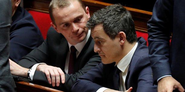 Le secrétaire d'Etat chargé de la Fonction publique Olivier Dussopt (à gauche) a certifié que le principe du recrutement au statut et l'occupation des emplois permanents par des fonctionnaires ne sont pas remis en cause dans le projet de loi de la réforme de la fonction publique.