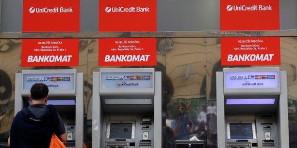 UniCredit a expliqué dans un communiqué que la chute de la livre turque a entraîné une dépréciation de 846 millions d'euros de sa participation indirecte de 41% détenue dans Yapi, une banque turque.