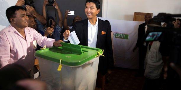 Andry rajoelina en tete du premier tour de la presidentielle malgache[reuters.com]