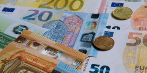 Les espèces représentent 73 % des transactions de proximité en zone euro et 48% de la valeur des paiements en 2019, selon la BCE.