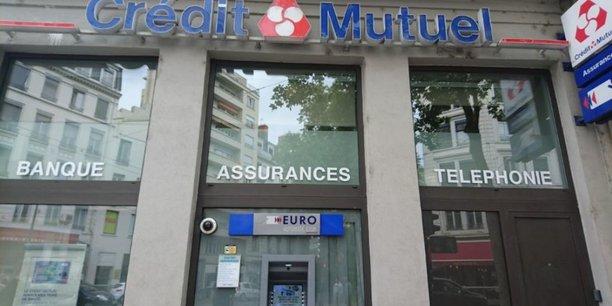 Mercredi 22 avril, le Crédit Mutuel a annoncé dédommager à hauteur de 200 millions d'euros ses clients ayant souscrit une assurance multirisque professionnelle avec perte d'exploitation. Le Crédit Agricole et Société Générale Assurances ont fait des annonces similaires.