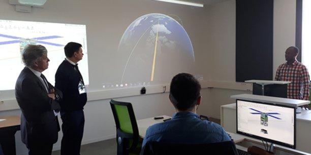 Yann Barbaux, président du pôle de compétitivité Aerospace Valley, et Laurent Dusseau, directeur du Centre Spatial Universitaire de Montpellier.