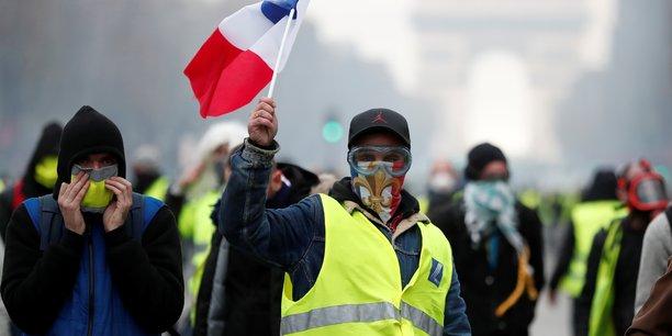 """Résultat de recherche d'images pour """"le parisien révèle le plan de macron s'il y avait eu des morts lors des manifs des gilets jaunes"""""""