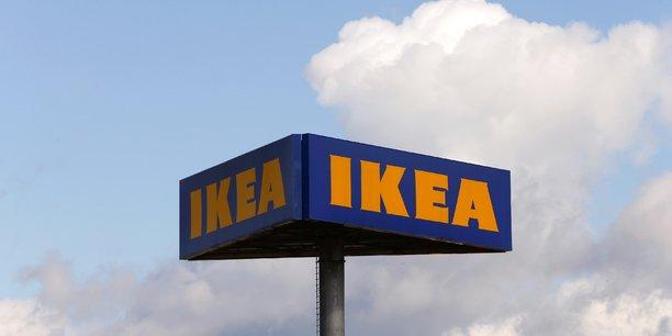 Espionner ou surveiller abusivement des salariés: l'affaire reprochée à la filiale française du géant suédois de l'ameublement Ikea, jugée à partir de lundi devant le tribunal correctionnel de Versailles, n'est pas un cas isolé.