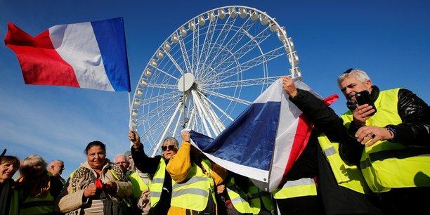 Selon le ministère de l'Intérieur, 136.000 personnes ont manifesté samedi premier décembre en France contre 166.000 le 26 novembre et 282.000 le 17 novembre.