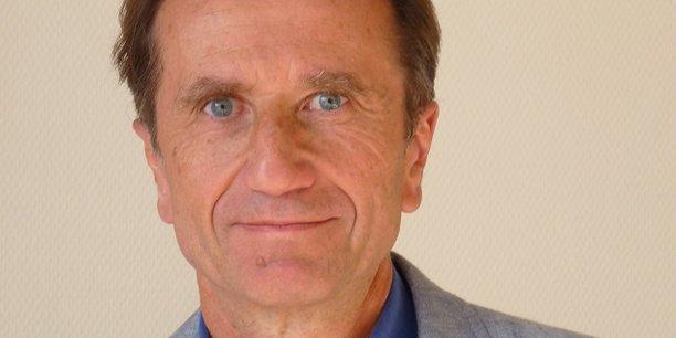 Olivier Galland, sociologue et directeur de recherche au CNRS, dirige le Groupe des méthodes de l'analyse sociologique de la Sorbonne.
