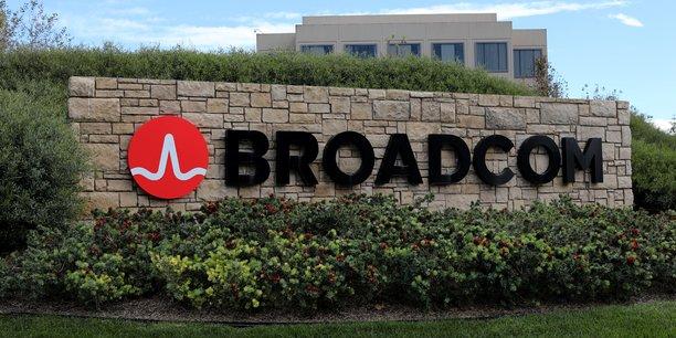 Broadcom bat le consensus, le titre grimpe[reuters.com]