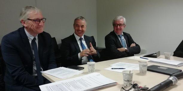 De gauche à droite : Laurent Trogrlic, président de la communauté du Bassin de Pompey, Jean-Luc Rigaut, président du Grand Annecy et Charles-Eric Lemaignen, conseiller métropolitain d'Orléans Métropole.