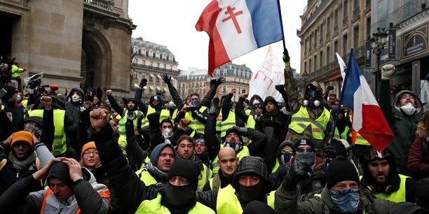 Les entreprises paieront pour les gilets jaunes, dit le parisien[reuters.com]