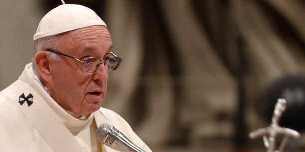 N'imputez pas tout et n'importe quoi aux migrants, dit le pape aux etats[reuters.com]