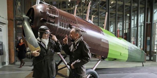 Une maquette grandeur nature du Salmson 2A2 qui a permis à Latécoère de rallier Barcelone depuis Toulouse est exposée.
