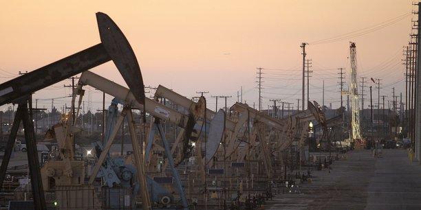 Le pétrole termine en forte hausse à New York