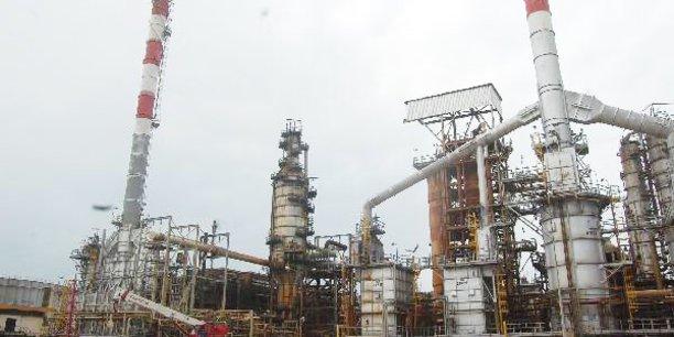 Le complexe d'hydrocraquage de Société ivoirienne de raffinage (SIR). L'hydrocraqueur utilise le gasoil moyen et le gasoil lourd, obtenu par distillation sous vide du résidu atmosphérique (RAT).