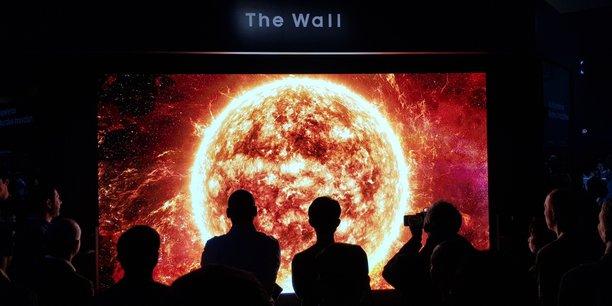 Samsung a impressionné avec The Wall, un immense téléviseur 4K de 75 pouces et 190cm, à base de Micro-Led.