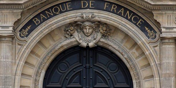 La Banque de France prévoit 1,4% de croissance en France cette année, contre 1,1% en moyenne pour la zone euro. Ce scénario est conforme à celui du gouvernement, mais légèrement plus optimiste que celui de l'OCDE ou du FMI, qui tablent sur 1,3%.