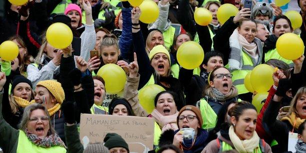 Las et moroses, les francais aiment la democratie et les gilets jaunes[reuters.com]