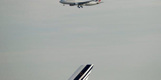 Air france signe un accord salarial pour le personnel au sol[reuters.com]