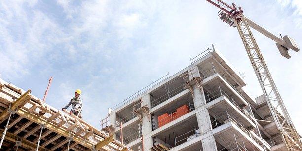 Dans la construction, les créations nettes ont atteint 16.100 (+1,2%), soit la plus forte hausse trimestrielle depuis fin 2007. Sur un an, le secteur a créé 36.500 emplois en net (+2,7%).