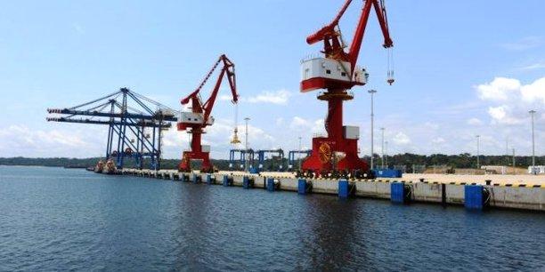 La plateforme du terminal polyvalent du port de Kribi, alors gérée par le consortium camerounais Kribi polyvalent multiple operators (KPMO), était entrée officiellement en service en janvier 2019.