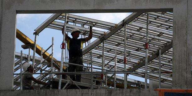 Le nombre de mises en chantier a baissé de 11,0% à 105.000 unités.