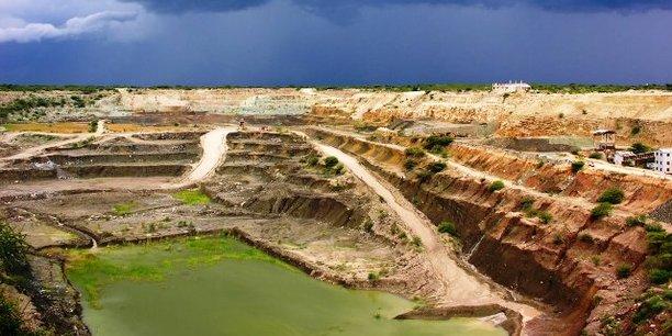 En juillet 2017, les autorités tanzaniennes avaient suspendu l'octroi de toute licence minière.