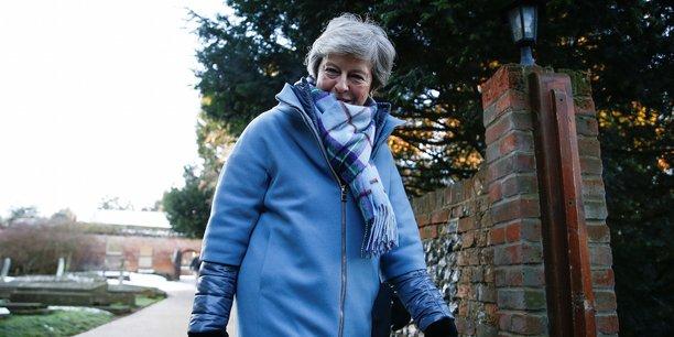 Theresa May à Bruxelles jeudi pour rencontrer Juncker — Brexit