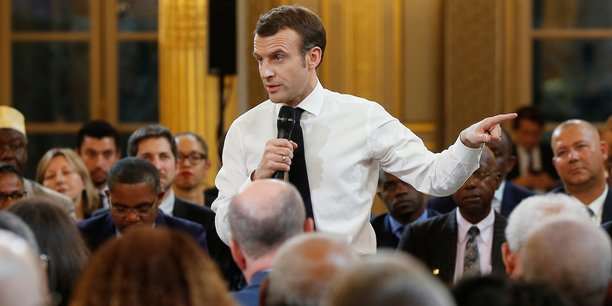 Macron poursuit le grand débat en banlieue, à Courcouronnes (VIDEOS) —