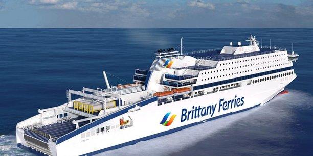 A Roscoff, la compagnie de transport maritime Brittany Ferries n'envisage pas de plan social mais redoute le contrecoup de la crise sanitaire et les conséquences du Brexit.