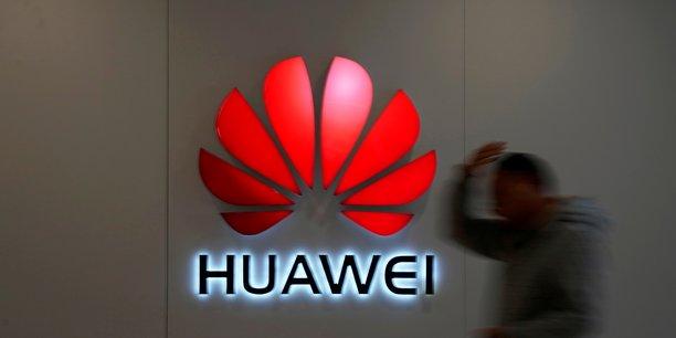 L'amendement, présenté dans le cadre de l'examen en première lecture du projet de loi pour la croissance des entreprises, vise à assurer la sécurité des réseaux mobiles afin de prévenir toute tentative d'espionnage ou de sabotage de la prochaine génération mobile 5G,où le Chinois Huawei est leader.