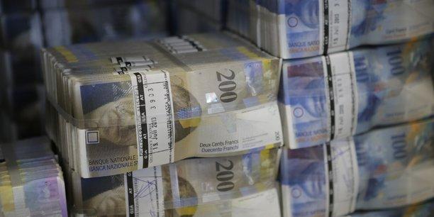 Le franc suisse victime d'un flash crash en asie[reuters.com]