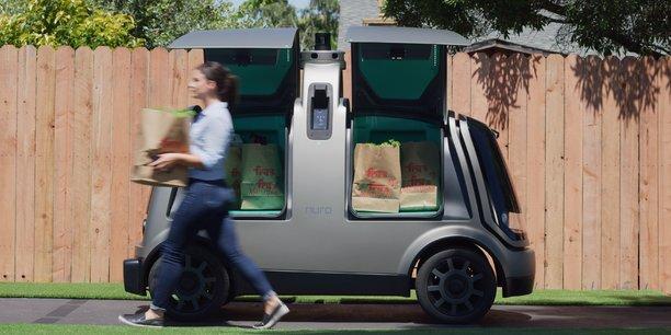 La startup Nuro a commencé l'an dernier à tester dans l'Arizona (sud) ses véhicules automatisés qui livrent les produits d'une grosse chaîne de supermarchés.
