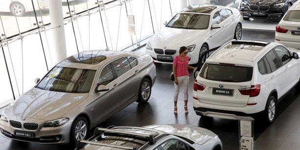 Dans une concession automobile BMW à Pékin, en 2015.