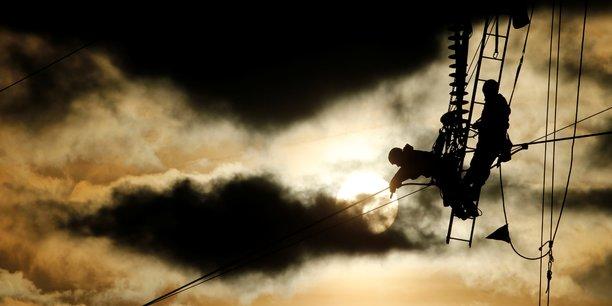 Le gouvernement retarde la hausse des tarifs de l'electricite[reuters.com]